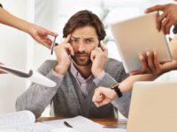 Поновлений судом працівник не з'явився на робочому місці: що робити?