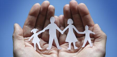 Договори в сфері сімейних відносин